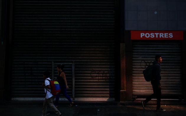 Venezuela sufre desde el pasado lunes un apagón que ha dejado a casi todo el país en penumbras. Fotos: Reuters.