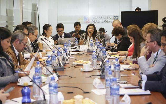 La mesa se enfocó en el debate de la propuesta que busca regular los costos de las maestrías en el país. Foto: Flickr Asamblea