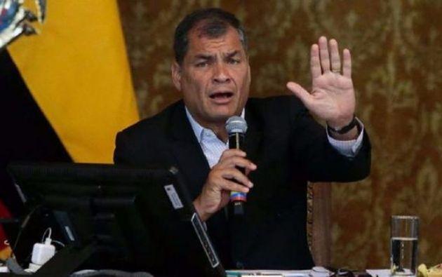 Correa respondió a la publicación de la Fundación Mil Hojas que asegura que el exmandatario compró la casa y al contado, negando categóricamente su participación en dicha subasta.