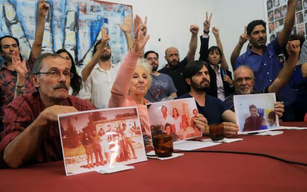 La asociación presidida por Estela de Carlotto estima que cerca de 500 bebés fueron robados por la dictadura. Foto: AFP