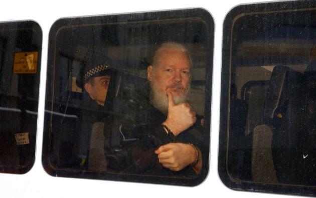 En junio de 2012 Assange debía presentarse ante la justicia británica para responder por los supuestos delitos sexuales de los que se le acusaba en Suecia. Foto: Reuters.