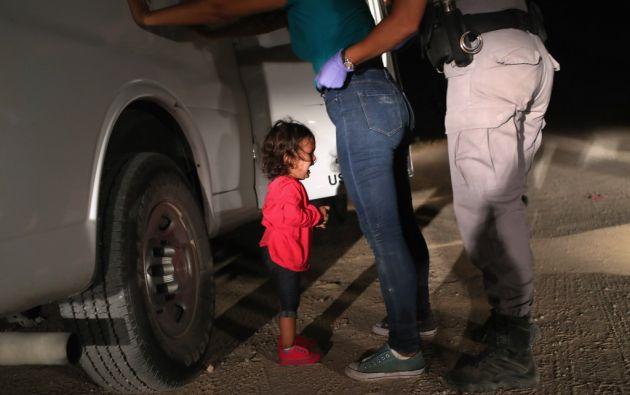 """Los miembros del jurado estimaron que la foto, que dio la vuelta al mundo, ilustra """"una violencia de otro tipo, que es psicológica"""". Foto: AFP."""