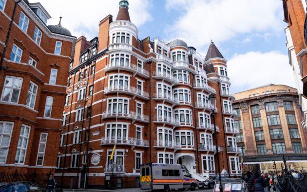 El elegante barrio de Chelsea en el que se encuentra la embajada de Ecuador en Londres. Foto: AFP.