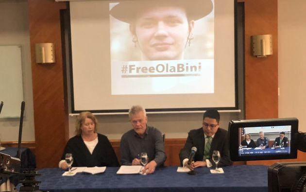 """""""Lo único que sabemos es que Ola es amigo de Julian Assange, nada más"""", afirmó el padre."""
