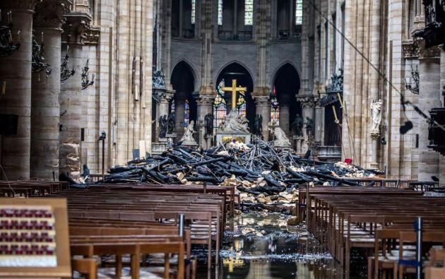 Un incendio dejó gravemente afectada la Catedral Notre Dame de París. Foto: Reuters.