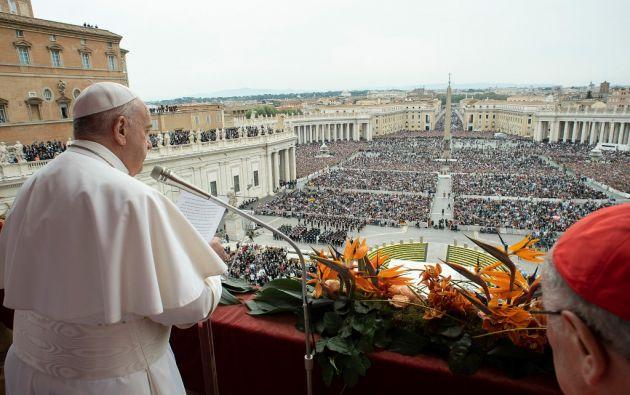 El papa pidió por Venezuela y Nicaragua en su mensaje de Pascua de este Domingo de Resurrección. Foto: AFP.