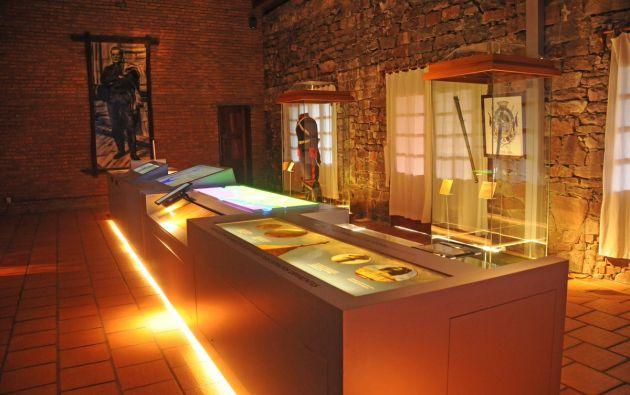 """Dentro del recinto también se pueden detallar objetos históricos como el uniforme que usaban los """"Blandengues"""", nombre que se daba a las tropas de caballería de la época."""