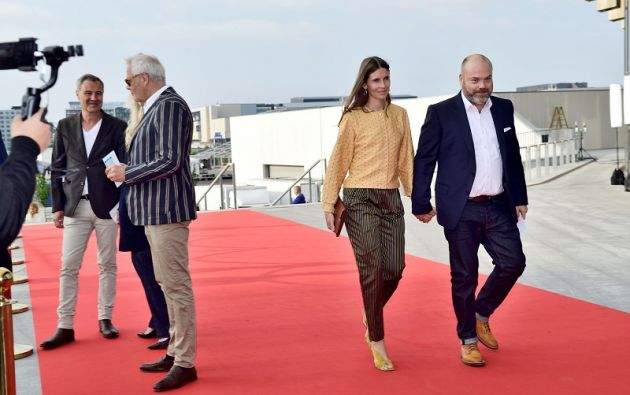 Anders Holch Povlsen, dueño de la compañía de bestseller, y su esposa Anne. Foto: Reuters