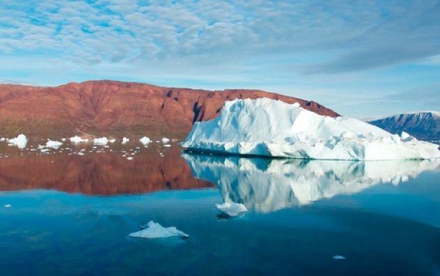 Los océanos absorben aproximadamente una cuarta parte del dióxido de carbono que los humanos emiten al aire cada año.