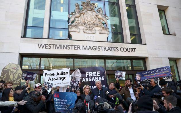 Assange podría ser condenado a 12 meses de prisión por este delito. Foto: Reuters