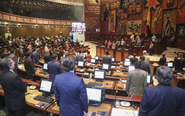 Con solo 59 votos a favor de los 118 legisladores presentes, la petición de Flores -asambleísta por el movimiento opositor CREO- no prosperó. Foto: Flickr Asamblea