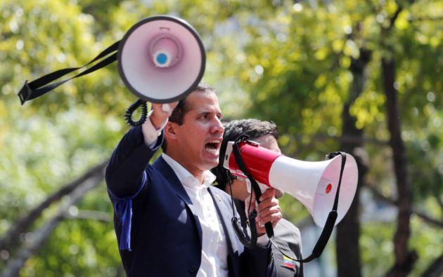 La oposición venezolana, liderada por el jefe del Parlamento, Juan Guaidó, convocó este martes a sus simpatizantes a la calle sin retorno. Foto: Reuters.