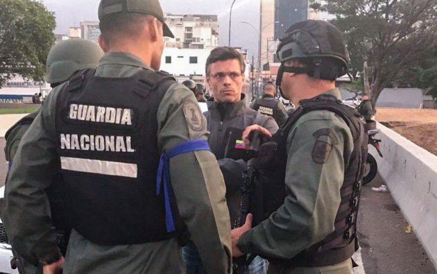 López se refugió en la embajada de España en Caracas con parte de su familia. Foto: AFP