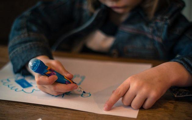 El protocolo permite asegurar la calidad del testimonio como prueba, y evita la revictimización de los niños. Foto: Pixabay