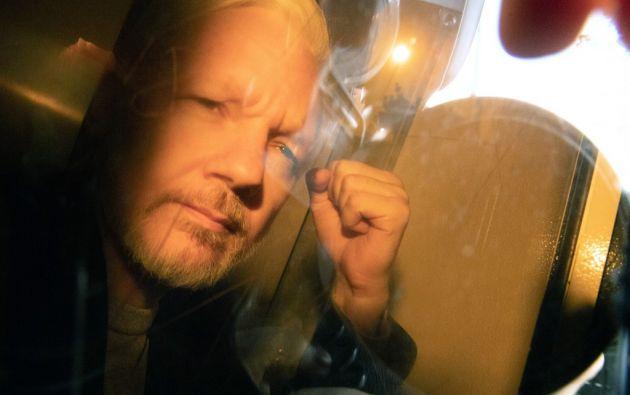 Los sospechosos amenazaron con ir filtrando datos e imágenes de Assange. Foto: AFP
