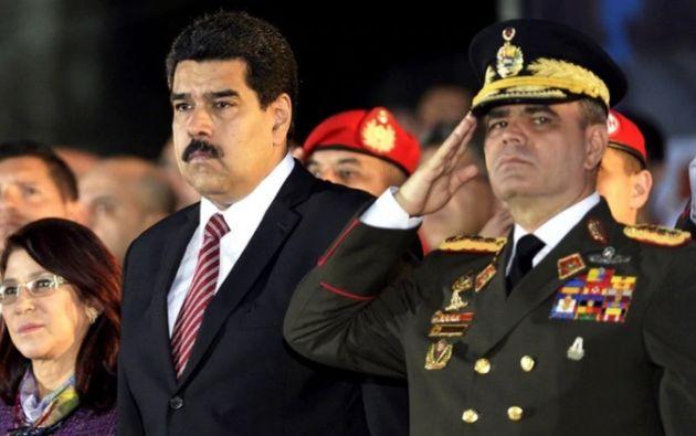 Nicolás Maduro junto al ministro de Defensa, Vladimir Padrino. Foto: AFP