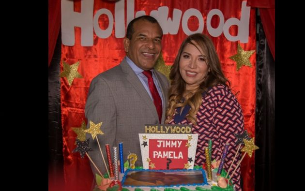 Jimmy Salazar junto a su esposa Pamela Martínez