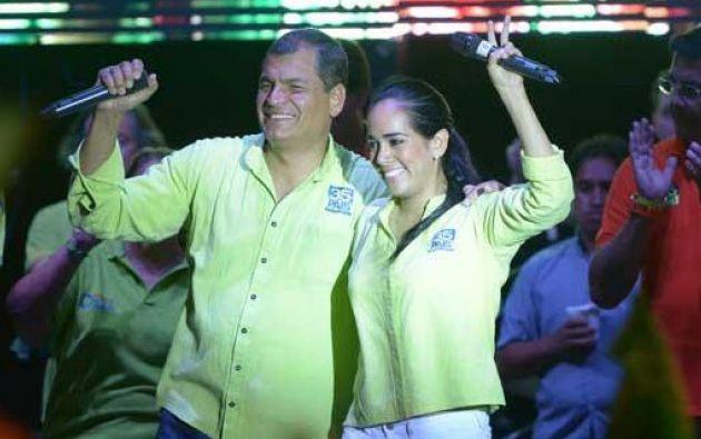 Bonilla junto al expresidente Correa en el cierre de su campaña en Guayaquil.