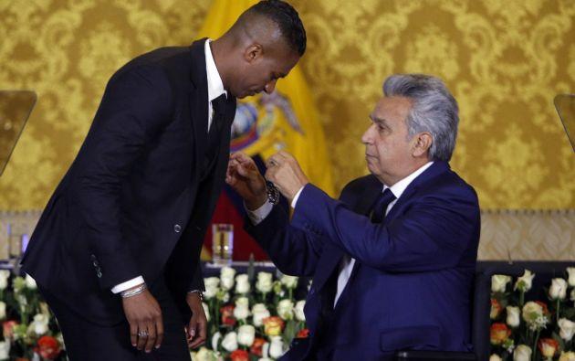 El 'Toño' recibió la medalla de la Orden Nacional al Mérito en el grado de oficial en el palacio de Carondelet. Foto: AFP