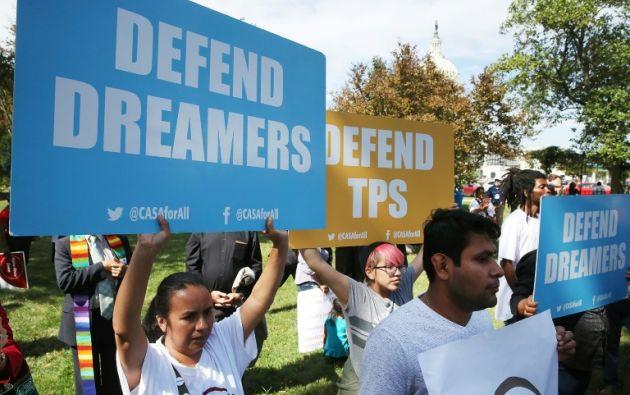 """El año pasado, Trump propuso otorgar una solución migratoria temporal a miles de """"soñadores"""", pero lo condicionó a la aprobación de más fondos para el muro. Foto: AFP."""