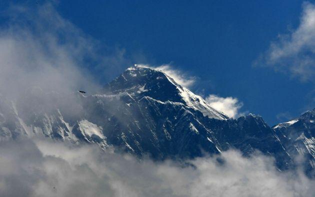 """La montaña más alta del mundo lastimosamente se ha ganado el título del """"basurero más alto del mundo"""". Foto: AFP."""