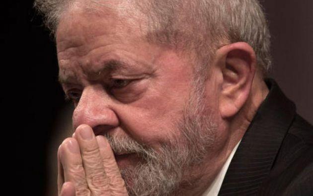 Lula cumple en prisión una condena de ocho años y diez meses por corrupción pasiva en Curitiba. Foto: AFP