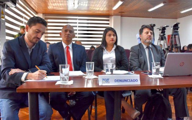 Juan Javier Dávalos, Walter Gómez y Victoria Desintonio acudieron con la representación del abogado Guillermo González.