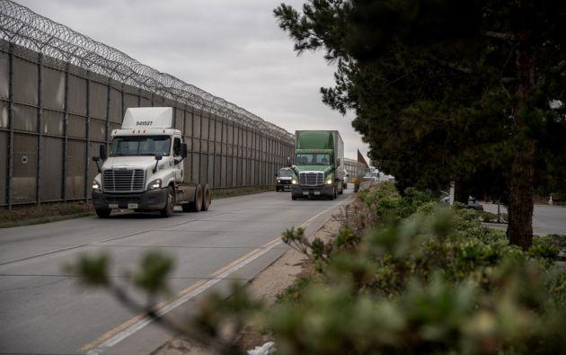En Juárez, la mayor ciudad del estado de Chihuahua y vecina de El Paso, Texas, la medida acecha a su vital industria maquiladora. Foto: AFP.