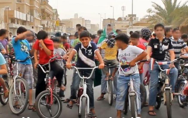 Fotografía de la protesta de niños encabezada por Murtaja Qureiris en la Primavera Árabe.