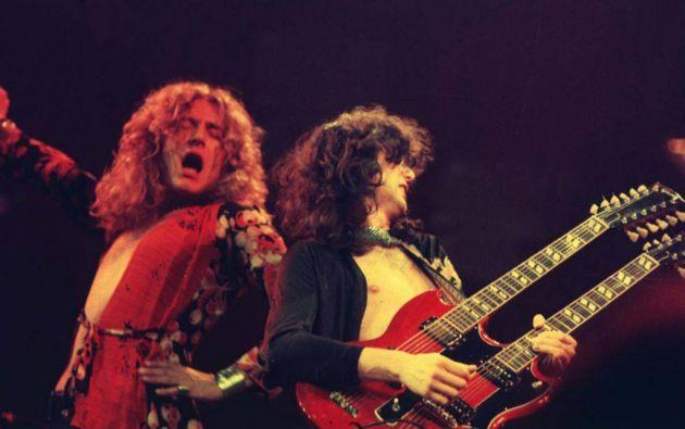 El cantante Robert Plant junto y el guitarrista Jimmy Page, líderes de la banda Led Zeppelin.