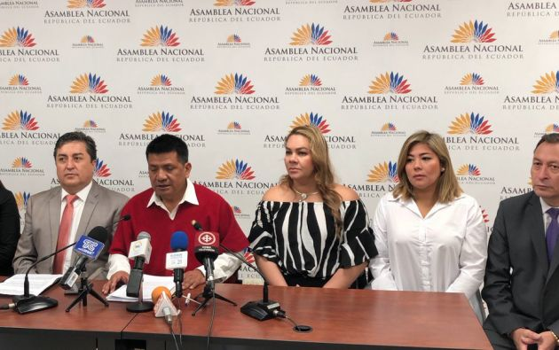 """""""Ellos no representan el sentir y verdadero espíritu del pueblo ecuatoriano, por lo tanto avalar su posesión, sería contradecir a nuestros mandantes"""", dijo el asambleísta Luis Pachala."""