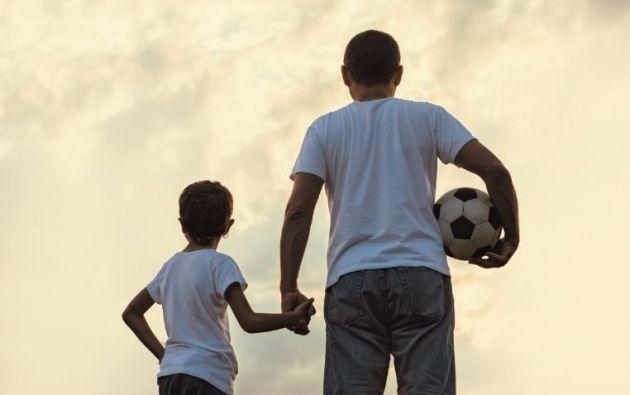 Cada vez hay más casos de padres criando solos a sus hijos o de hogares a los que se suman amigos y vecinos, formando otros tipos de familias. Ellos demuestran que esto no afecta la crianza y educación de los hijos.