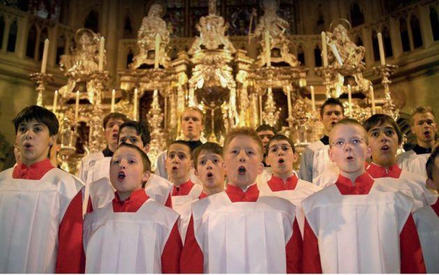 El coro es una de las atracciones turísticas de Regensburg, en Baviera, Alemania. Fue fundado en 975 y en sus mil años de historia ha tenido altas y bajas.