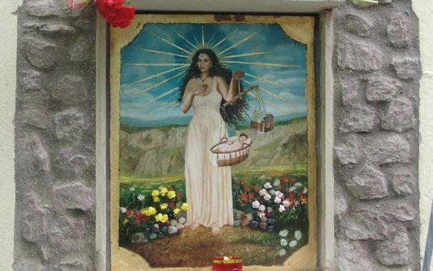 """La imagen principal la pintó en piedra en 2008 el artista David Santillán y se la colocó en una de las paredes del """"Danubio Azul""""."""