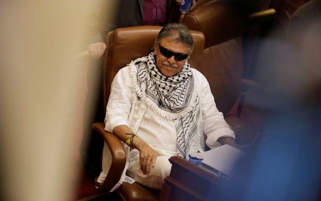 De 52 años y con aguda deficiencia visual, Santrich pasó a ser uno de los hombres más buscados del país.  Foto: Reuters