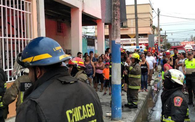 De acuerdo al BCBG, el hecho provocó daños materiales en dos viviendas ubicadas entre las calles Letamendi y Carchi.