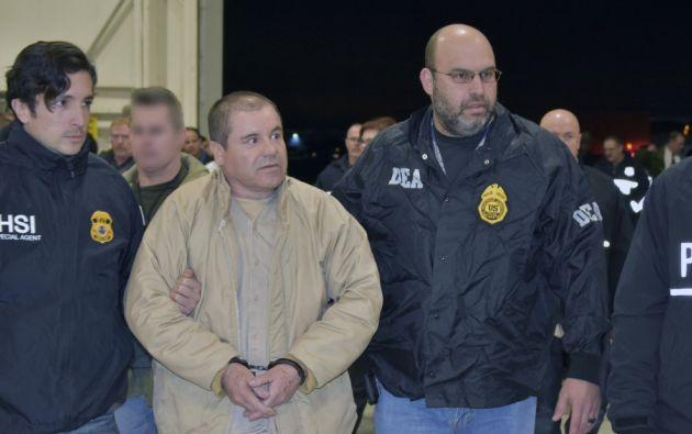 La cadena perpetua a Joaquín 'El Chapo' Guzmán es por el transporte y distribución de cientos de toneladas de estupefacientes, a más de varios asesinatos. Foto: AFP.