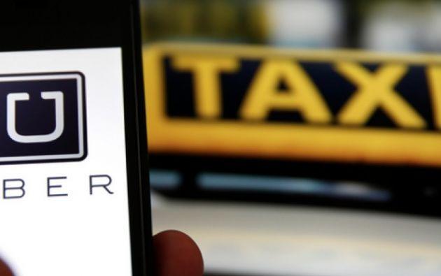 Según Uber, cerca de 240 mil usuarios y socios conductores podrían ser privados de esta opción de movilidad.
