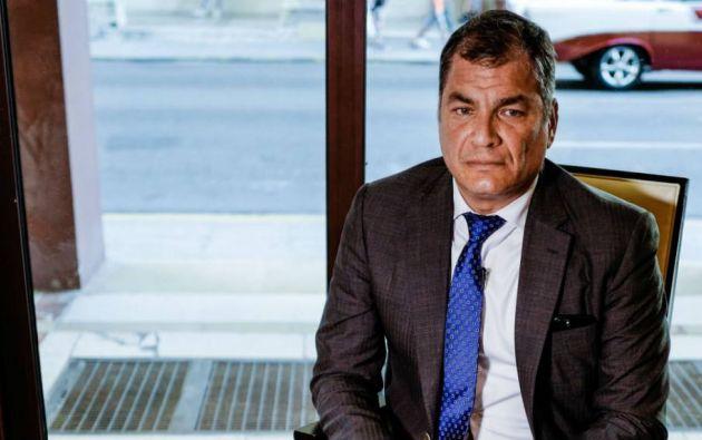 """""""Por enésima vez van tras mis movimientos financieros"""", dijo Correa. Foto: AFP"""
