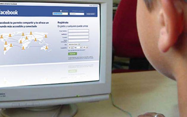 Las reglas de Facebook requieren que se tenga como mínimo 13 años para crear una cuenta.