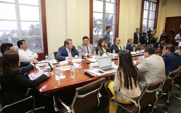 """""""Se deja en claro que es deber de esta comisión garantizar el derecho a la seguridad jurídica, defensa, presunción de inocencia y proceso"""", dijo Cedeño."""