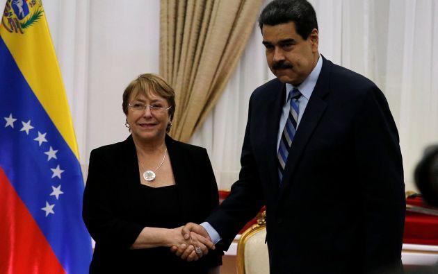 Bachelet dice que hay corrupción, ineficiencia y sistemática violación de derechos humanos y sociales por parte del régimen de Nicolás Maduro.