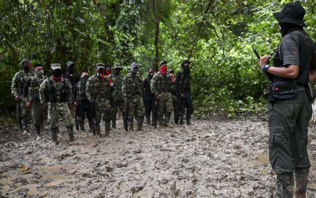 """Según un reciente informe guerrillas como el ELN están cometiendo """"numerosos abusos contra civiles"""" como asesinatos, desapariciones, violencia sexual, reclutamiento infantil y desplazamiento forzado, entre otros."""