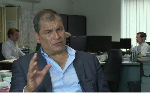 """""""La Asamblea nuevamente descabeza otra función del Estado"""", dijo Correa. Foto: AFP"""