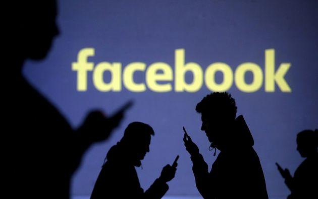 La red social pagará a algunos medios para poder utilizar sus contenidos. Foto: Reuters