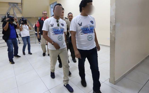 Ambos ciudadanos portaban chalecos con el logo institucional del ECU 911.