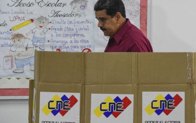 """""""Maduro está aislado y perdiendo amigos. Y la comunidad internacional está unida"""", afirmó el almirante Faller. Foto: AFP"""