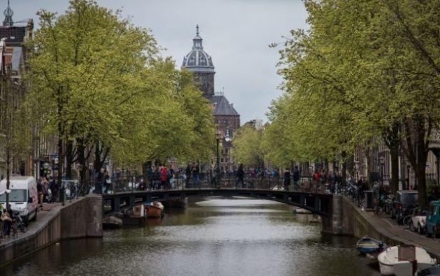 """Las autoridades están """"muy preocupadas"""" por la cantidad de jóvenes que están dispuestos a involucrarse en el crimen organizado en Ámsterdam. Foto: AFP"""