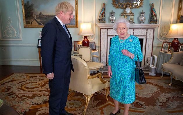 La reina Isabel II aprobó este miércoles la suspensión del periodo de sesiones del Parlamento a partir de la segunda semana de septiembre. Foto: AFP.