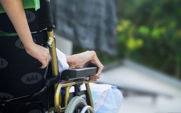 En América Latina y el Caribe hay actualmente 47 millones de personas que se dedican al trabajo remunerado del cuidado. Foto: Pixabay